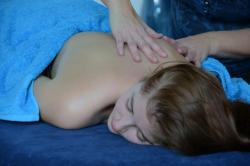 rug masage op vrouw